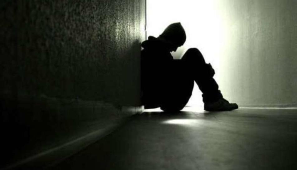 Del total de persones que van intentar suïcidar-se, el 64,3% van ser dones i un 35,7%, homes.