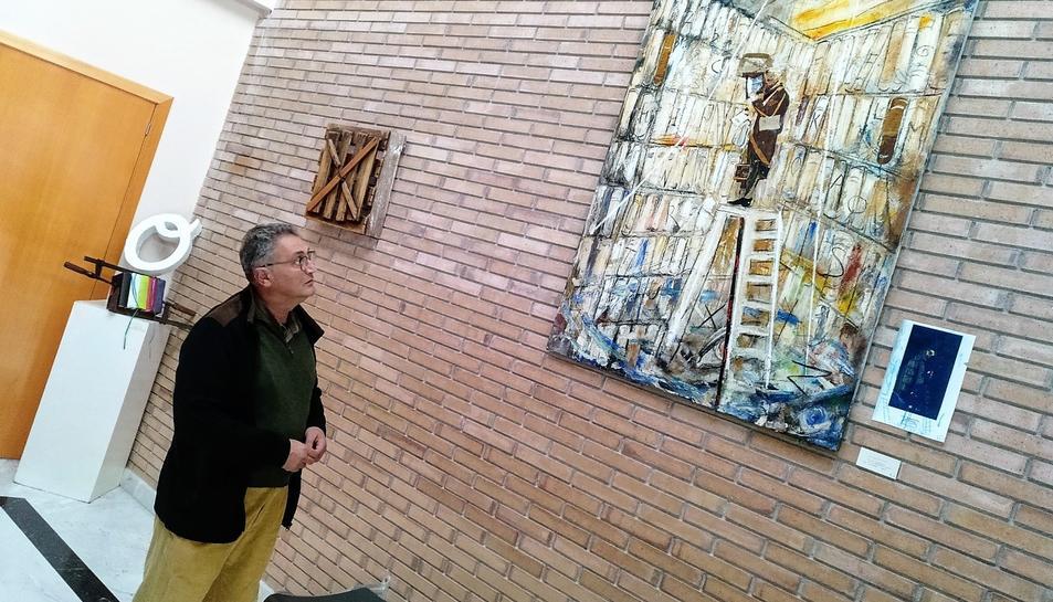 Jordi R. Morera a l'exposició.
