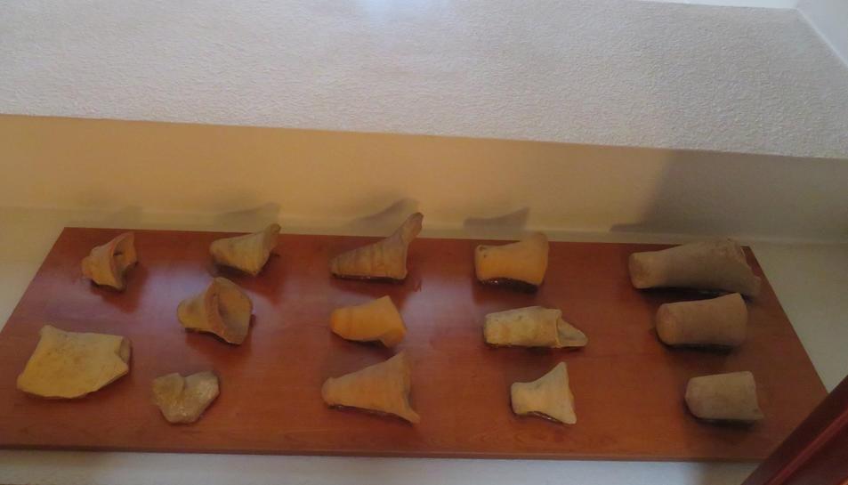 Imatge d'algunes de les peces de ceràmica espoliades.