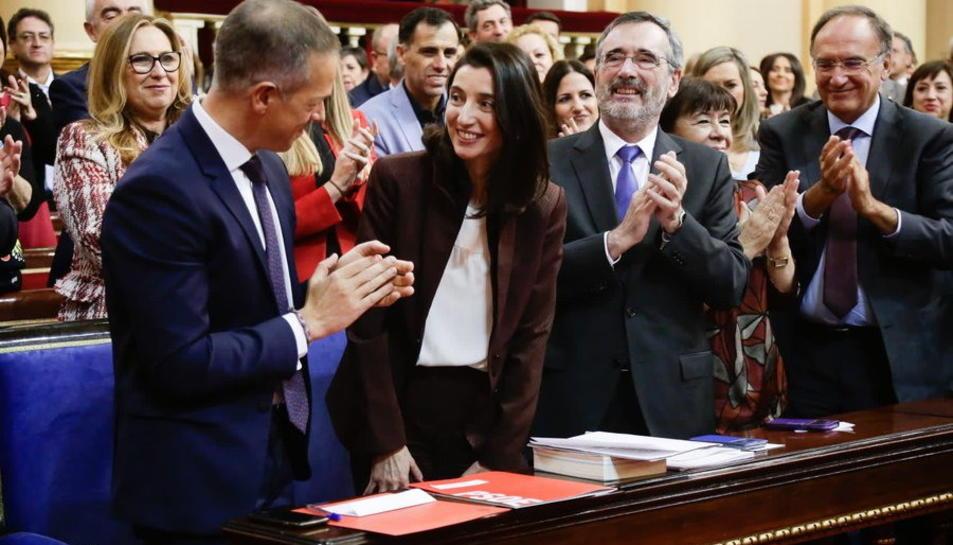 La presidenta del Senat, Pilar Llop, aplaudida per la bancada del PSOE a la cambra alta després de ser escollida.
