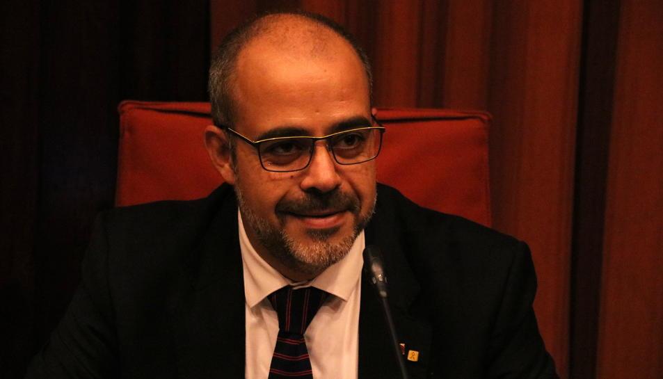 Imatge del conseller d'Interior, Miquel Buch, compareixent a la comissió d'Interior del Parlament