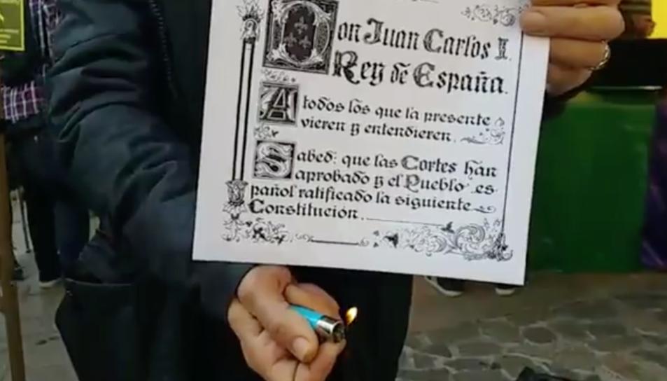 Imatge de la crema de la Constitució que es va fer l'any passat al Baix Gaià