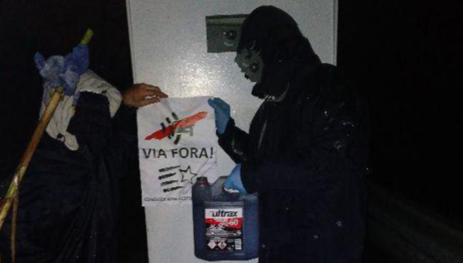Imatge d'un dels actes vandàlics en un radar
