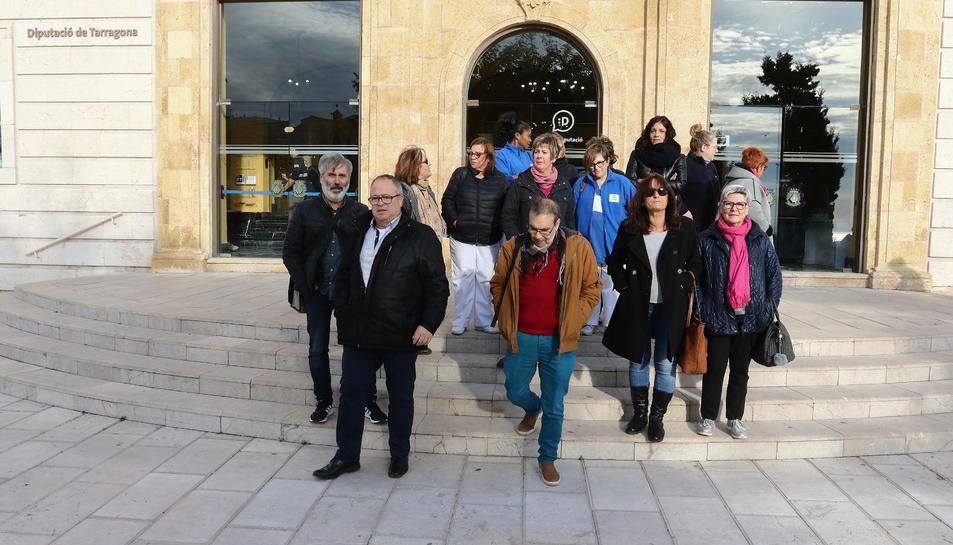 Una assemblea de treballadors de Tempo celebrada el mes passat, davant la Diputació.