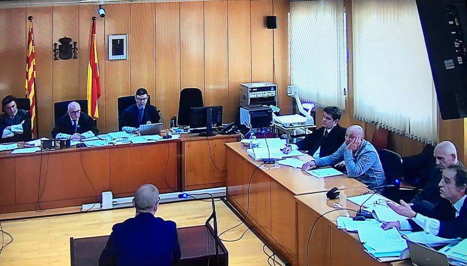 Captura de pantalla de la declaració del comissari Rafel Comes en el judici contra dos Mossos d'Esquadra a l'Audiència de Tarragona.