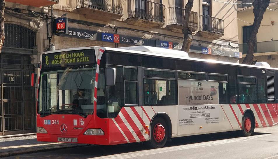 Imatge d'arxiu d'un autobús municipal de Tarragona