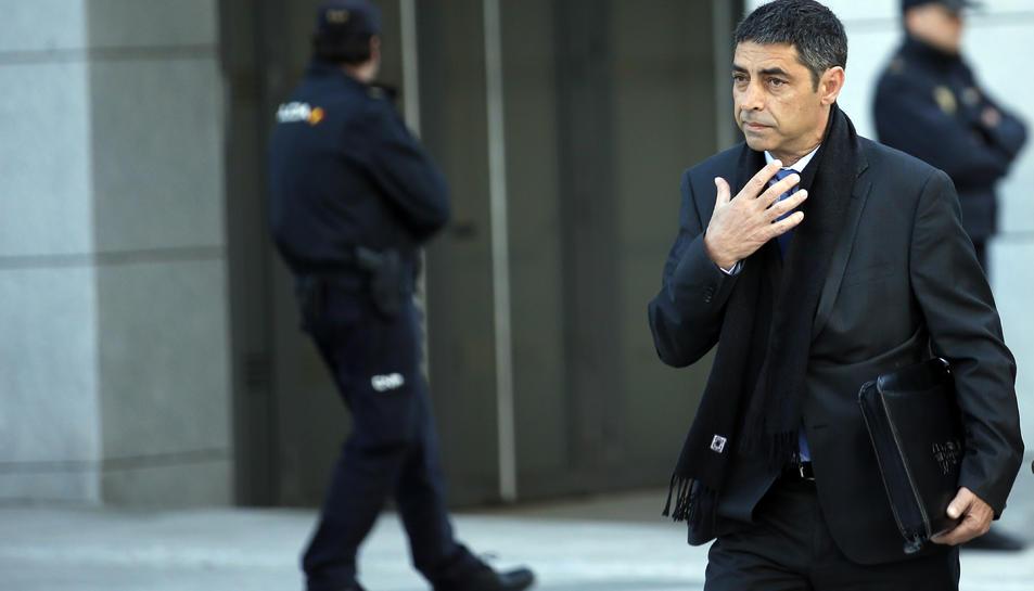 Pla tancat de l'entrada de Josep Lluís Trapero a l'Audiència Nacional, el 16 d'abril del 2018.