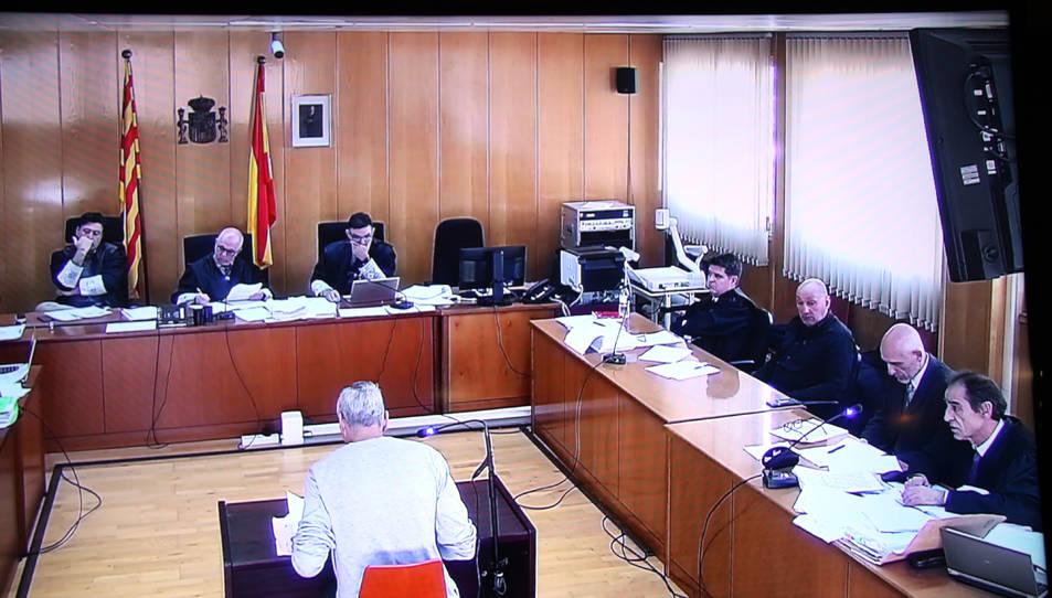 Imatge de la declaració d'un sotsinspector de la Divisió d'Afers Interns durant el judici a dos mossos d'esquadra a l'Audiència de Tarragona