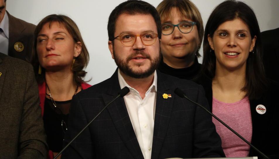 El coordinador nacional d'ERC, Pere Aragonès, en roda de premsa al Parlament.