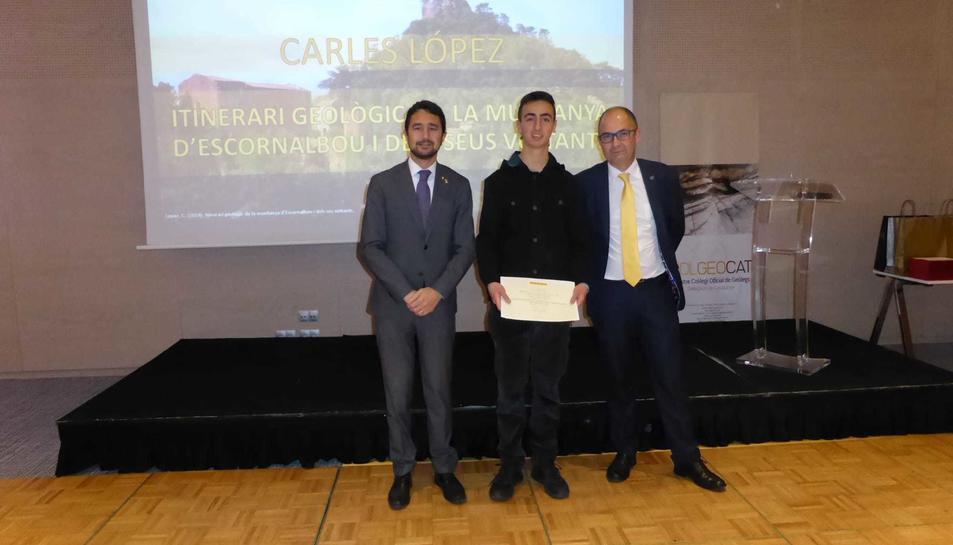 Carles López Rofes recollint el premi.