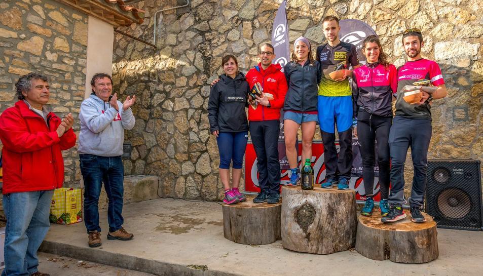 El podi dels guanyadors de la Trailseries Colldejou.