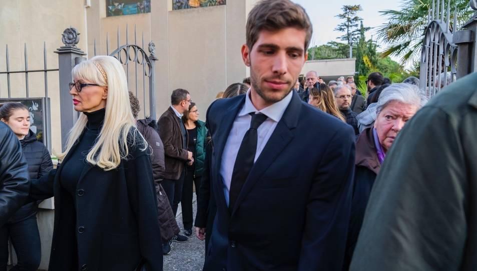 Sergi Roberto en el funeral de la seva mare ahir a la tarda.