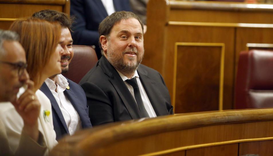 El president d'ERC, Oriol Junqueras, assegut a l'escó del Congrés dels Diputats durant la sessió constitutiva de la cambra.