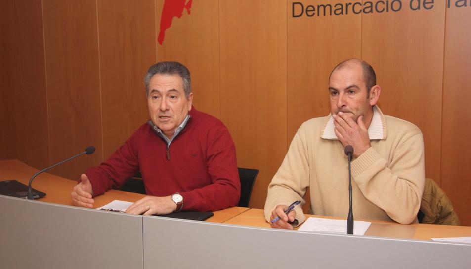 Pla mitjà dels representants de la PTP i pdf.Camp, Daniel Pi i Carlos Montejano.