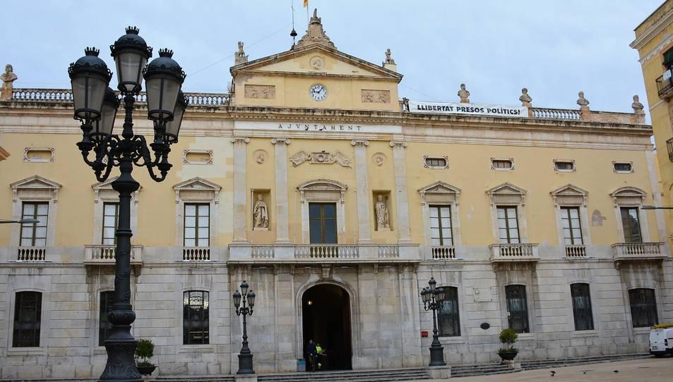 Façana de l'Ajuntament de Tarragona.