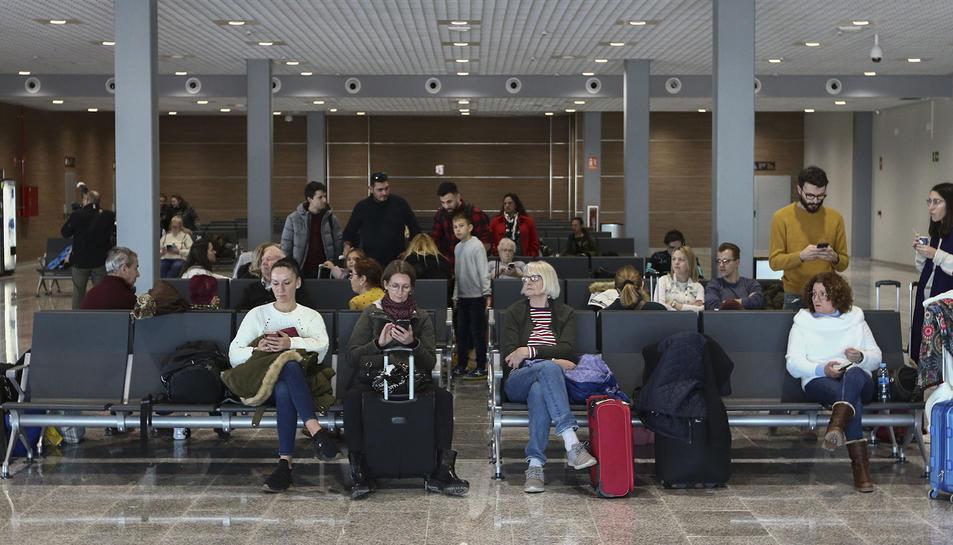 Una imatge d'arxiu de viatgers a la terminal reusenca.