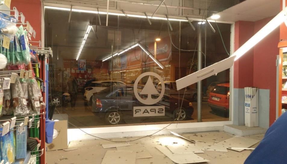 Imatge del supermercat afectat per l'ona expansiva de l'explosió.