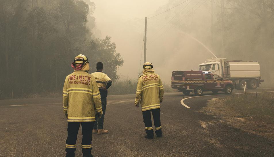 Fotografia des de primera línia dels incendis.