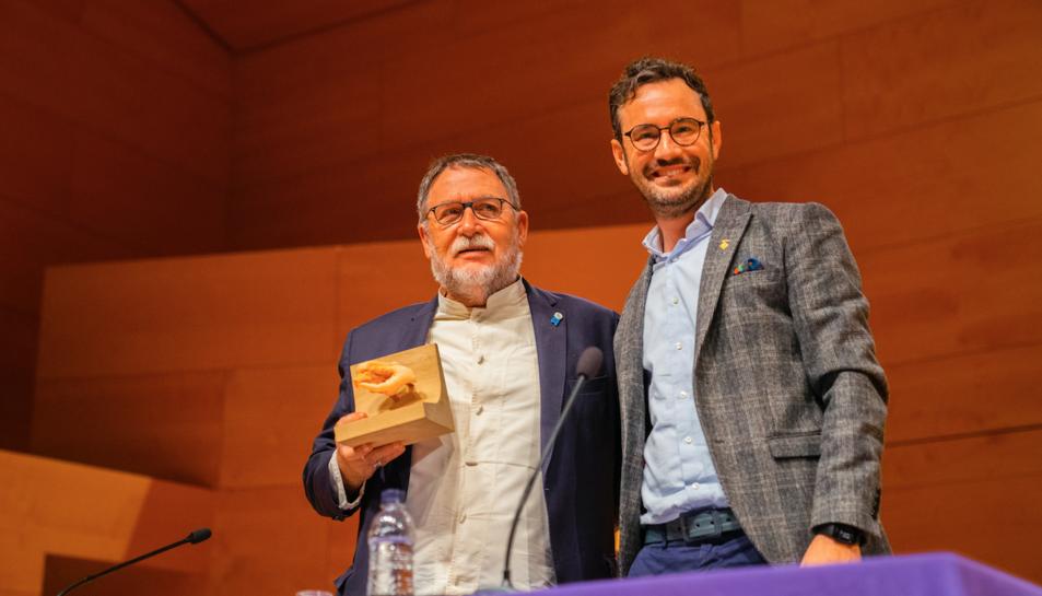 El pregoner, el doctor Martí Boadi, ahir en l'Auditori Josep Carreras de Vila-seca.