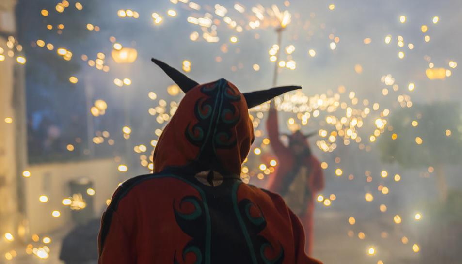 Imágenes del pasacalle de la Fiesta Mayor de Vila-Seca