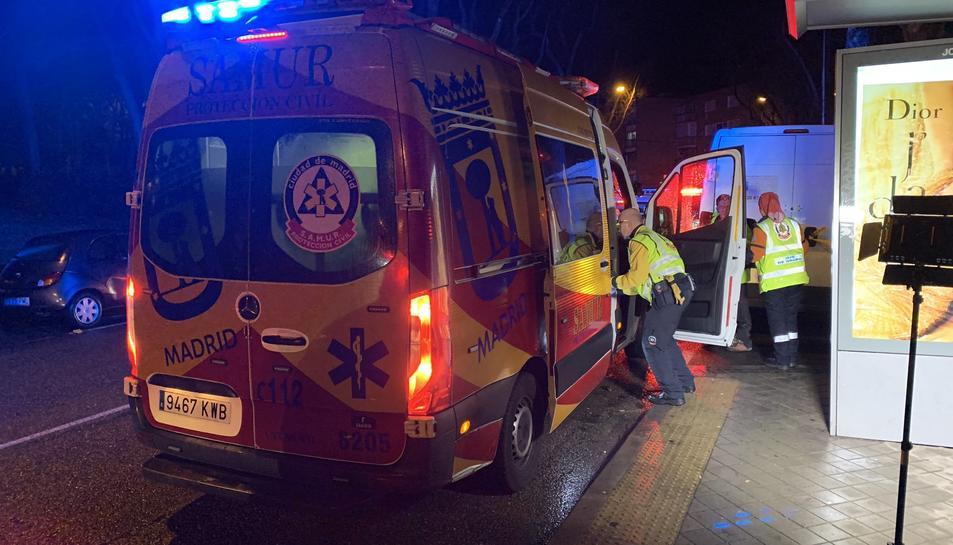 Imatge d'una ambulància al lloc dels fets.