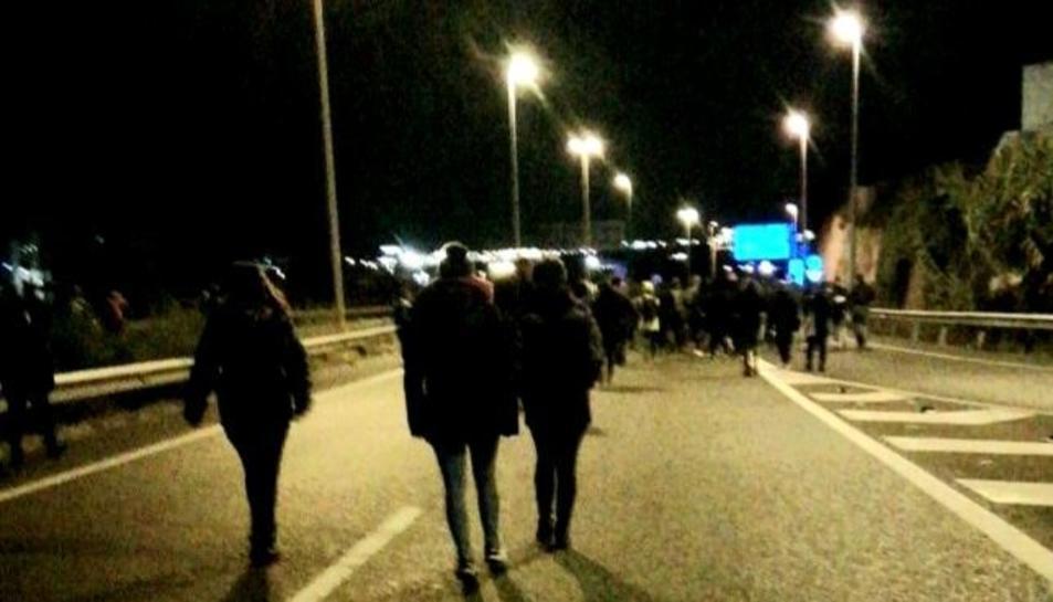 Imatge d'arxiu d'una acció de protesta d'Arran a l'A-27 a Tarragona.
