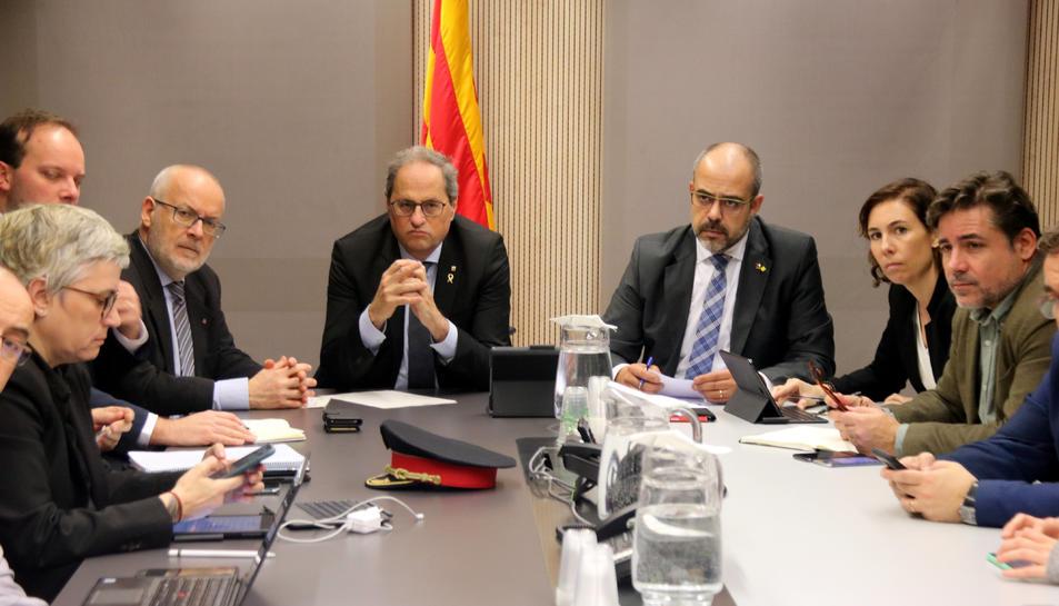 El president, Quim Torra, i el conseller d'Interior, Miquel Buch, presideixen la reunió del comitè de seguiment de l'episodi meteorològic.