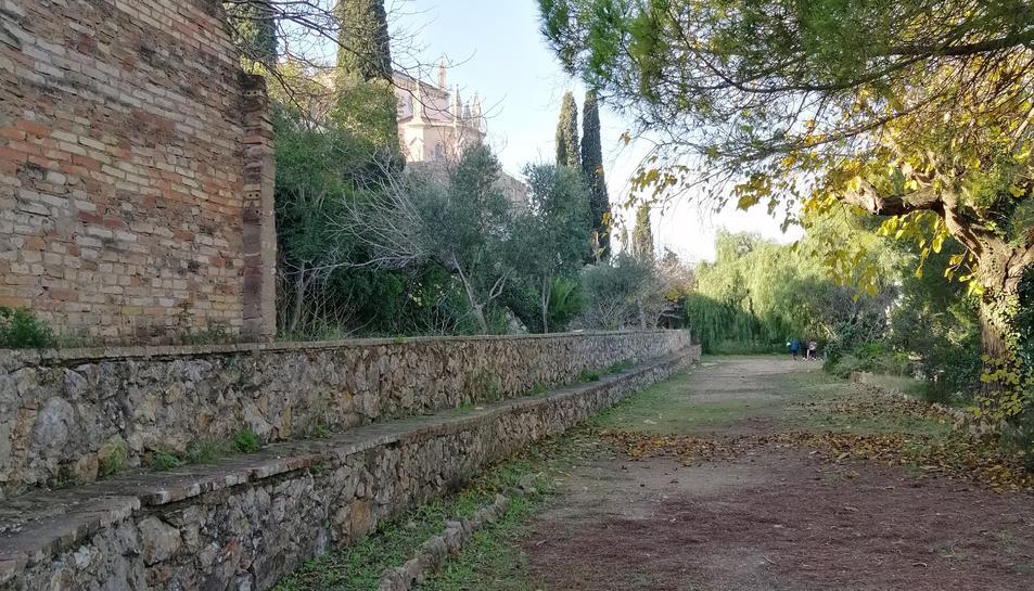 El consistori vol que la falsa braga, un jardí que connecta el Camp de Mart amb el Roqueral, «la pugui aprofitar tothom», diu Puig.