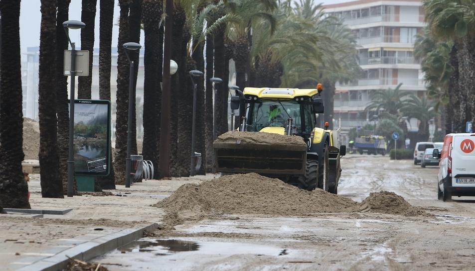 Diversos carrers del municipi han quedat completament inundats