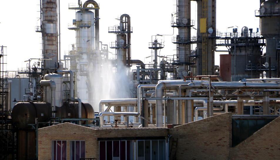 La planta d'IQOXE a la Canonja, després del transvasament dels residus d'òxid de propilè del tanc afectat.