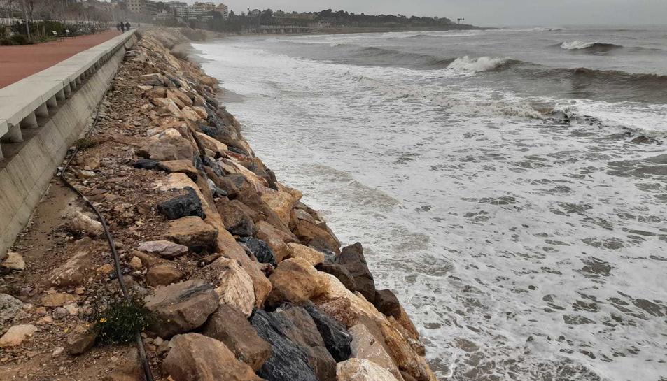 Imatge del passeig de la platja del Miracle.