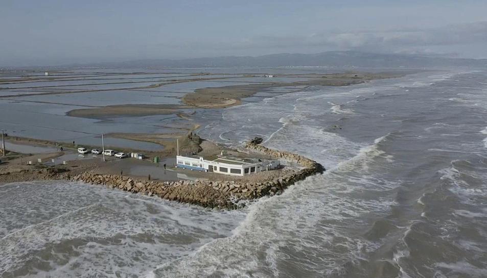 Pla aeri de la zona del Delta completament inundada.
