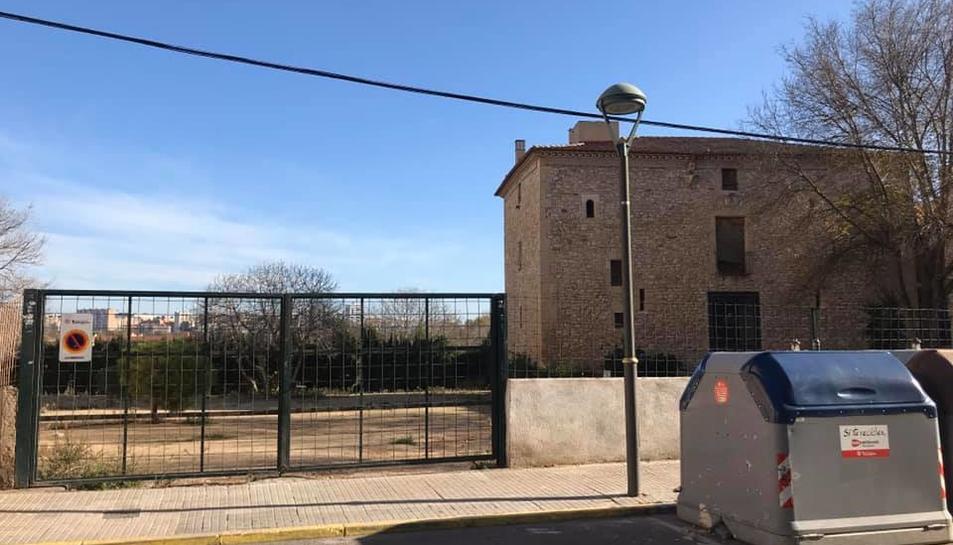 Imatge de la Torre Forta, al voltant de la qual es va construir el barri que porta el mateix nom.