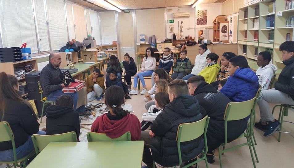Imatge d'una de les activitats a l'Institut de Torreforta