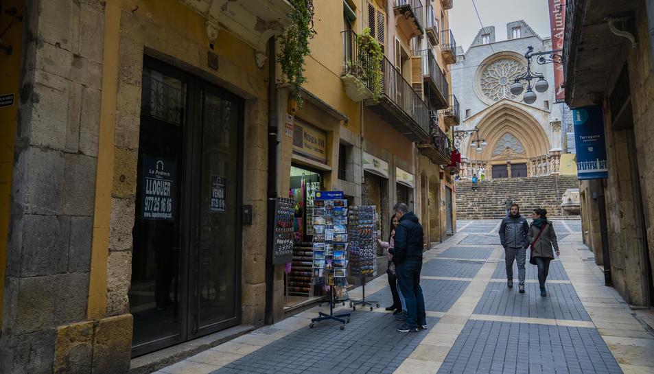 El carrer Major s'ha quedat sense punt de venda de diaris.