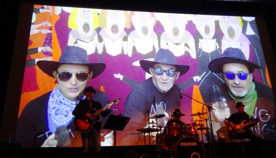 FMG Music el formen David Vallés (Sant Carles de la Ràpita) a la bateria, i Gabi Puig (Els Muntells) al baix.