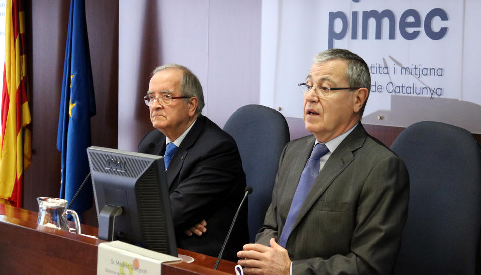Pla mitjà del president de PIMEC, Josep González, i el director de l'Observatori de PIMEC, Modest Guinjoan.
