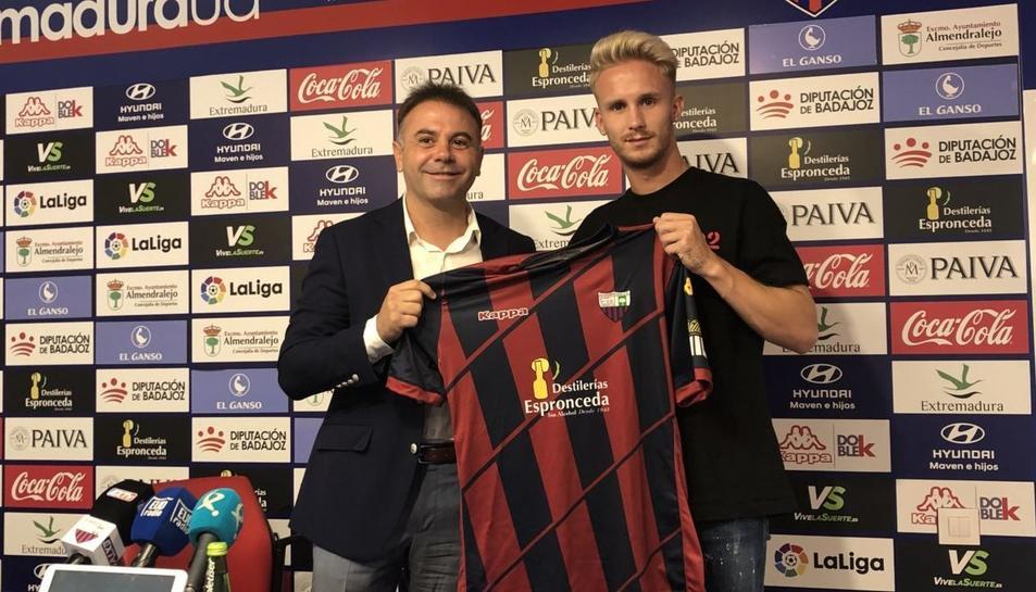 Gil va arribar a l'estiu a l'Extremadura però només ha disputat 12 partits.