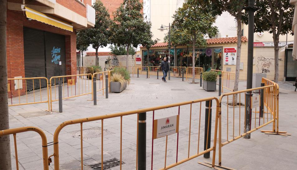 Imatge del carrer Juan Sebastian El Cano en obres.