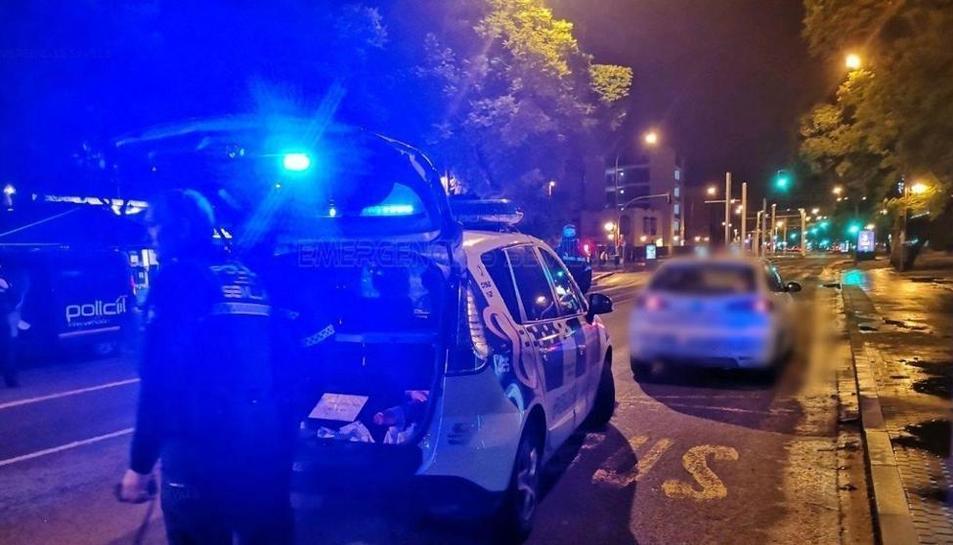 Dispositiu de la Policia Local de Sevilla per capturar un home acusat de violar a una dona al seu habitatge.