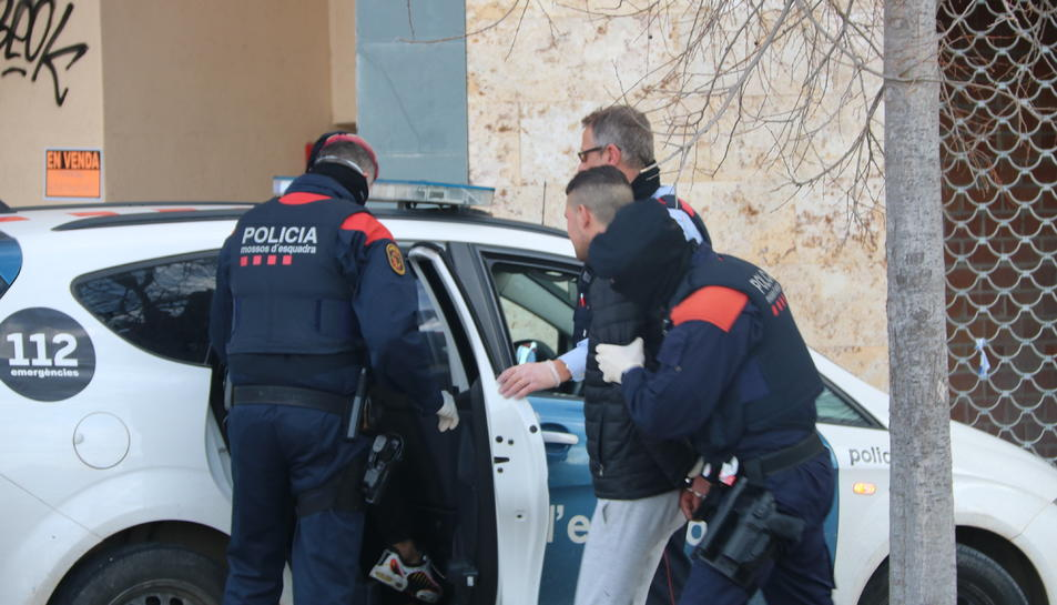 Els Mossos detenen un jove a Calafell en un dispositiu