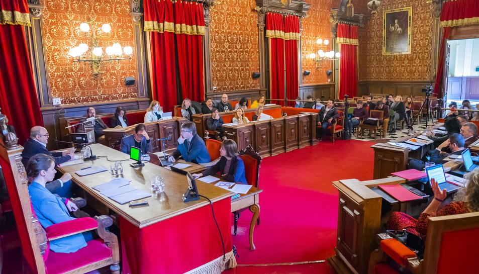 Imatge del plenari celebrat ahir, marcat pels molts consensos en les mocions debatudes.