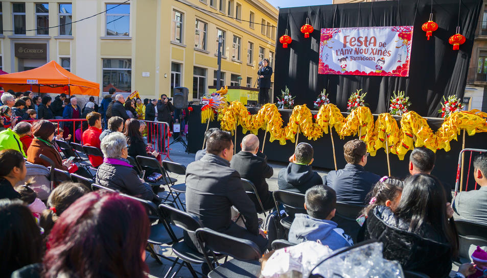 Celebració de l'Any Nou Xinès, l'any passat a la plaça Corsini de Tarragona.