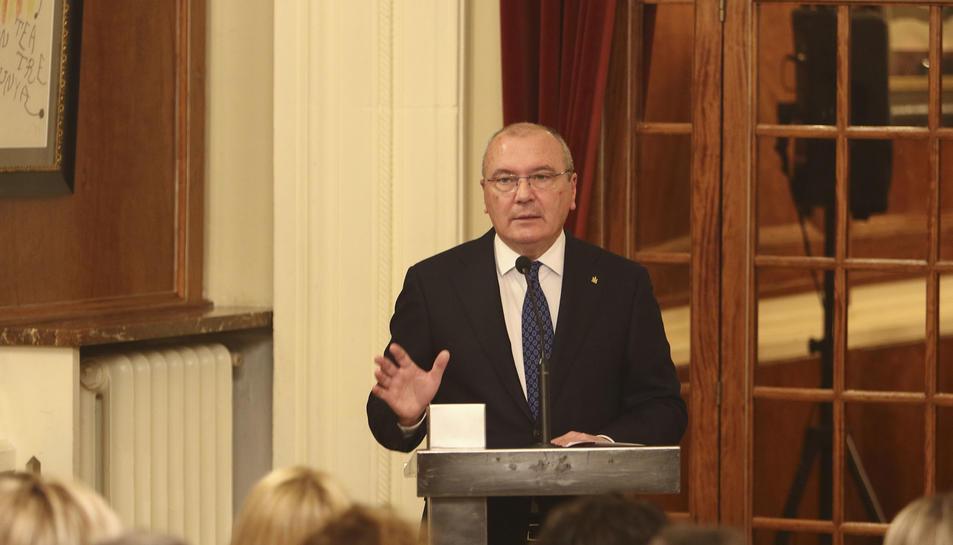 L'alcalde de Reus, Carles Pellicer, va oferir ahir una ponència titulada 'El futur és avui'.