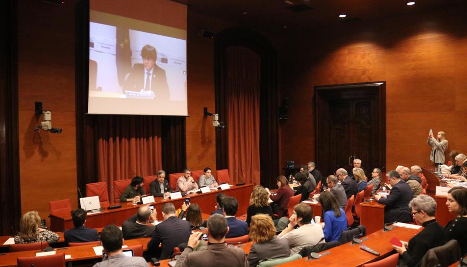 L'expresident del Govern Carles Puigdemont compareix des del Parlament Europeu a la comissió d'investigació del 155 al Parlament