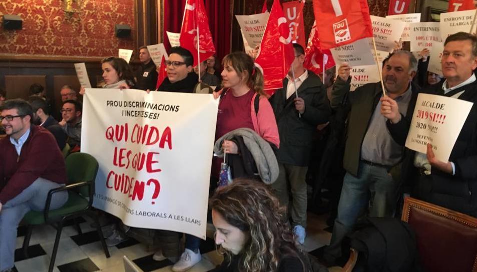 Acte de protesta de les subrogades al ple de l'Ajuntament del passat mes de desembre.
