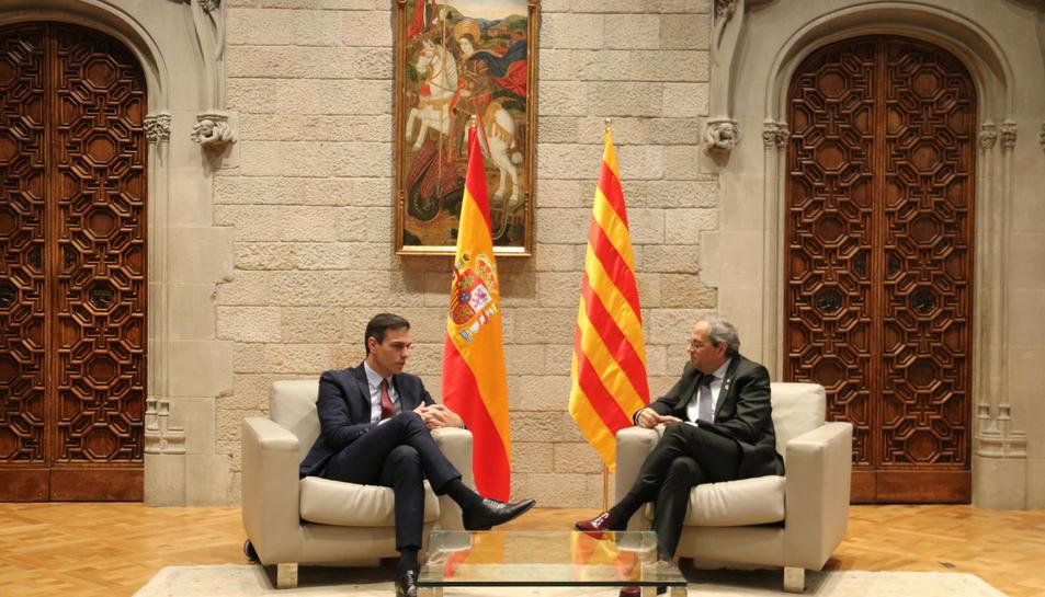 Els presidents Quim Torra i Pedro Sánchez, durant la reunió al Palau de la Generalitat.