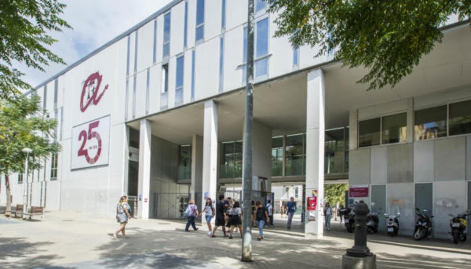 Imatge d'arxiu de la façana del Campus Catalunya de la URV