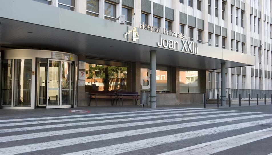 Porta d'entrada principal a l'hospital Joan XXIII de Tarragona
