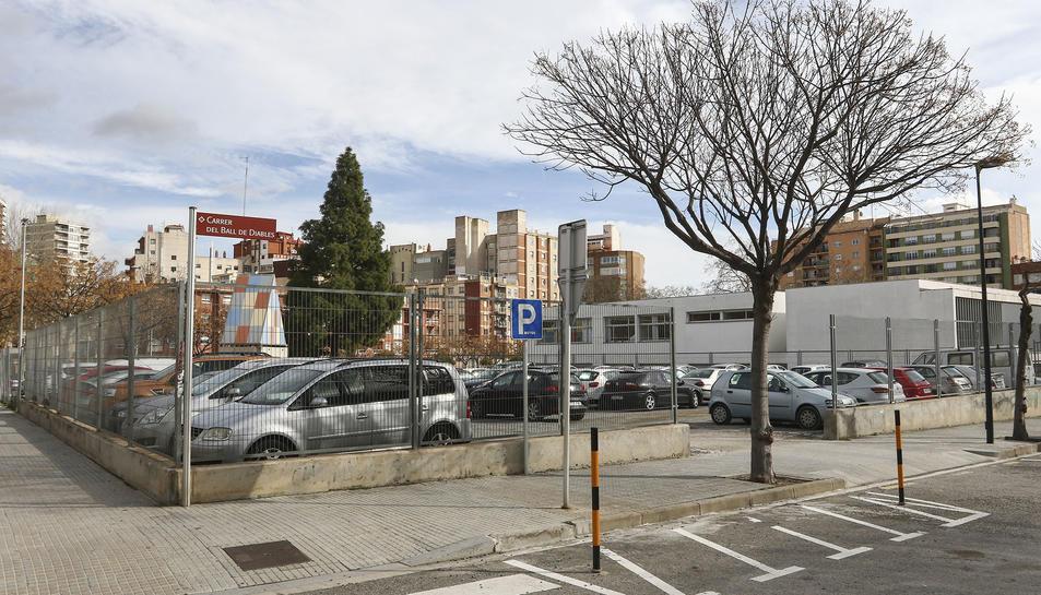 L'àmbit del carrer del Ball de Diables que s'ha posat a la venda acull un aparcament amb 68 places.
